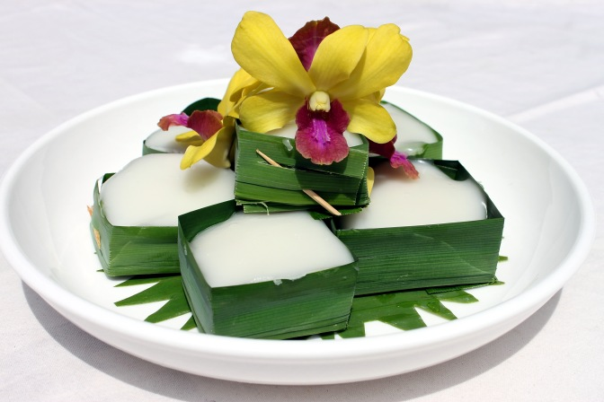 pandan-pudding-topped-with-coconut-cream-2